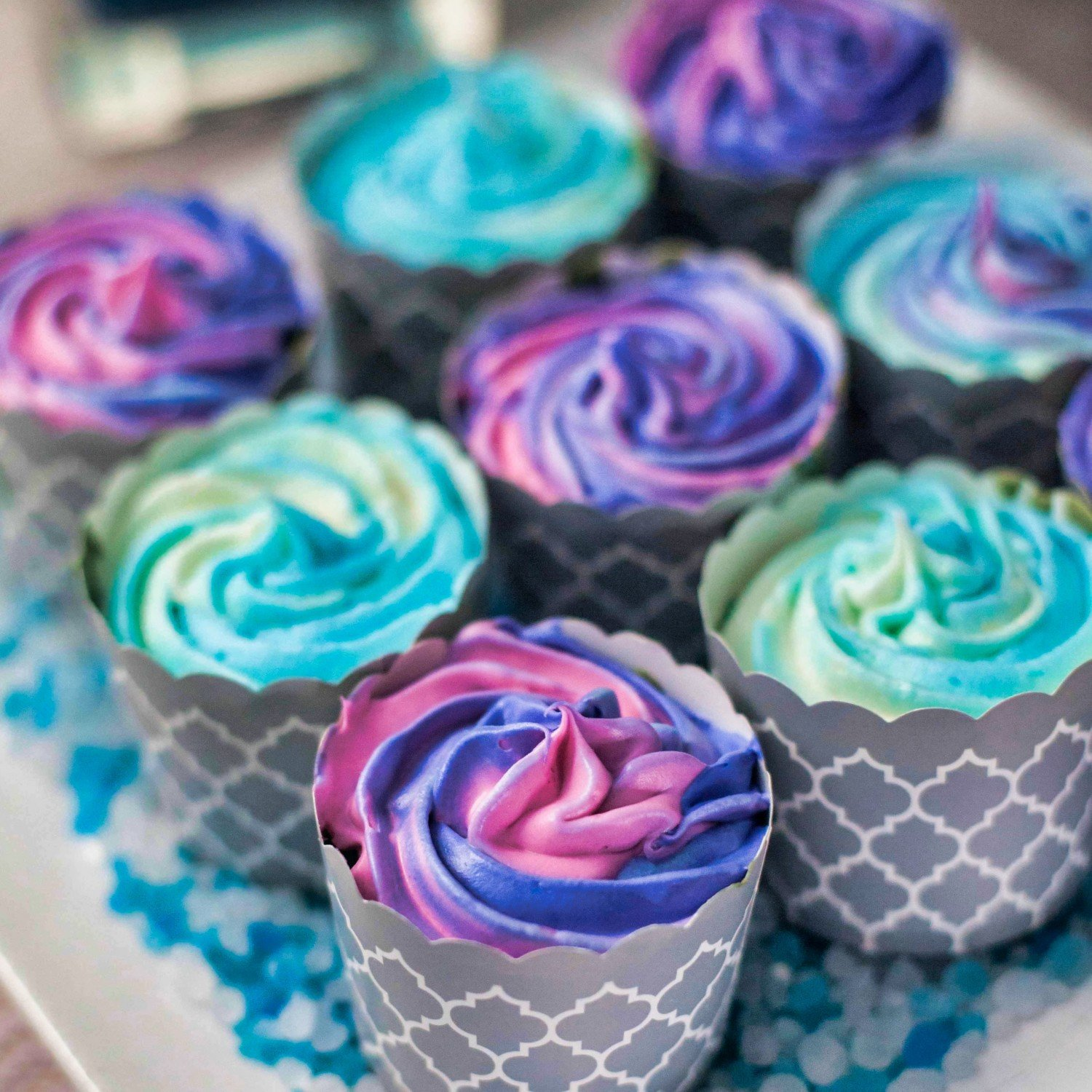 Swirled buttercream frosted cupcakes for Frozen princess party